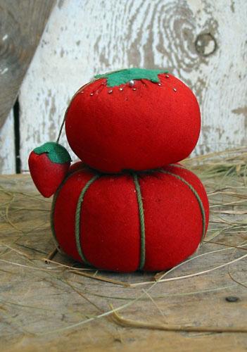 """Tomato Pincushion Lot """"E"""""""