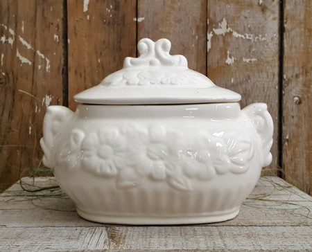 Vintage Covered Dish / Tureen