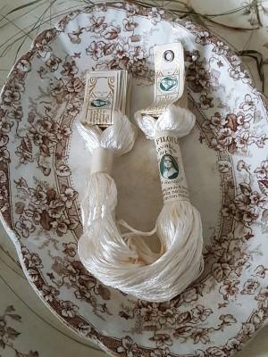 Vintage Silk Embroidery Thread - A Dozen Skeins - Seda Filoflosse