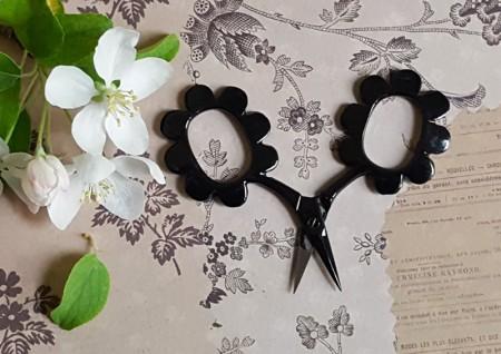 Flower Power Scissors - Glossy Black